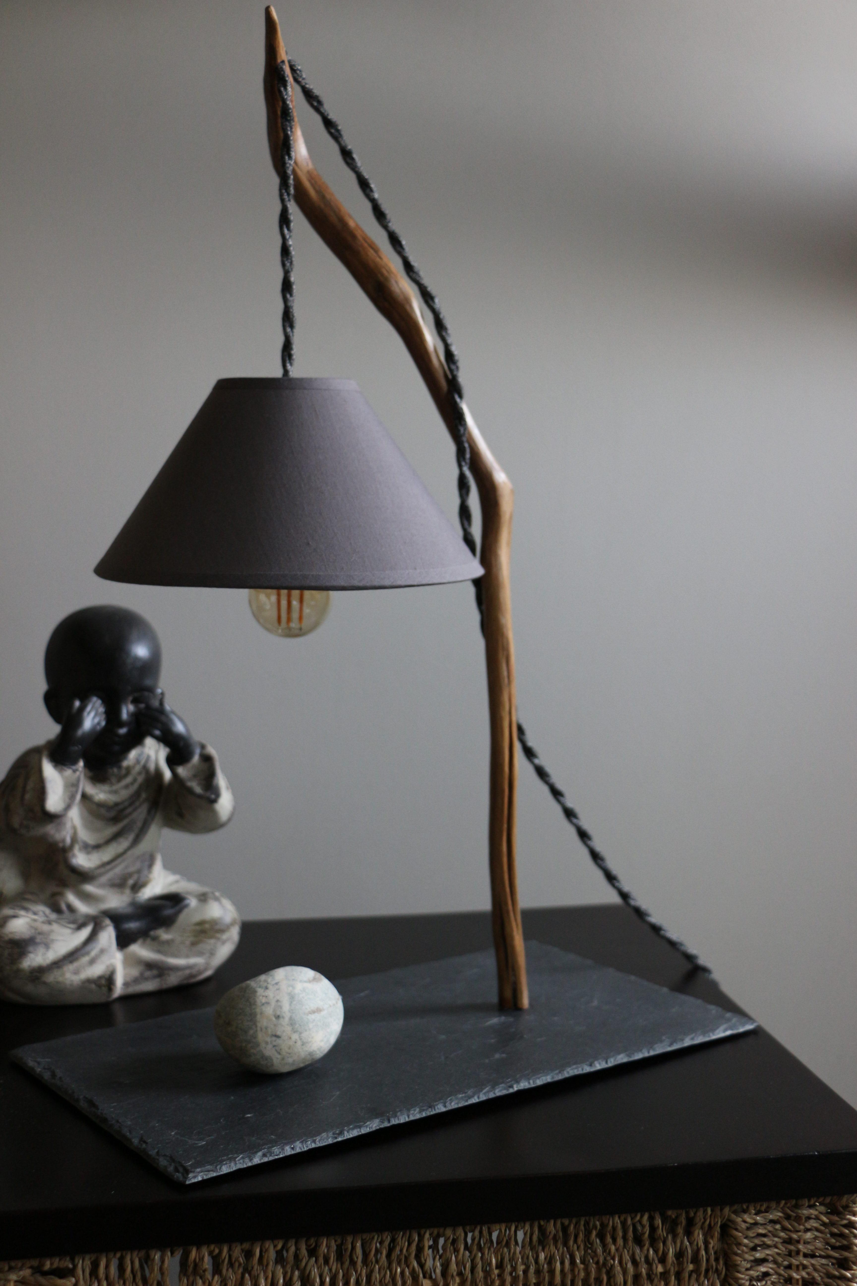 Lampes en bois artisanales