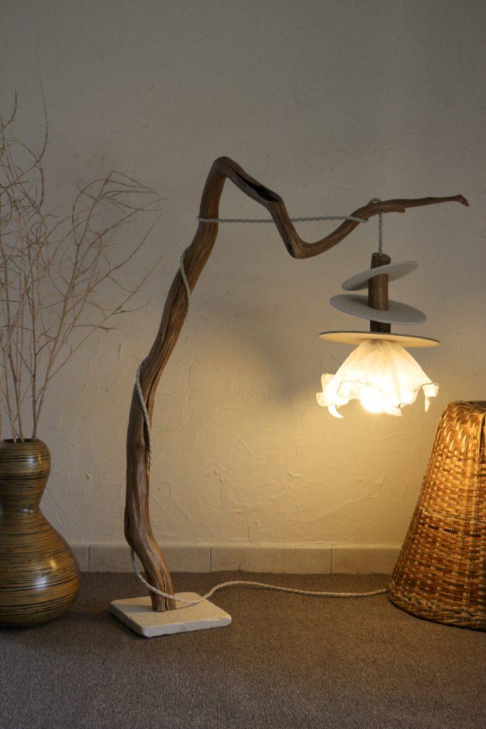 lampe en bois artisanale